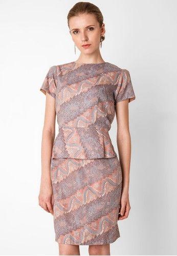 Model Baju Batik Atasan Untuk Kantor  591209c709