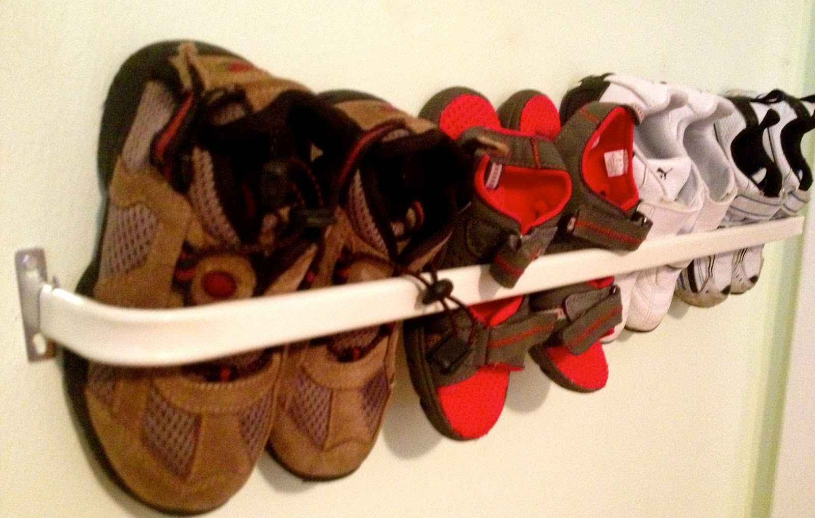 DIY Toddler Shoe Rack. It would be Great in the back of Richards closet.