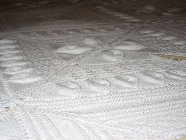 Frugal Crafts: How to Crochet a Bedspread in One Day | Crochet ...