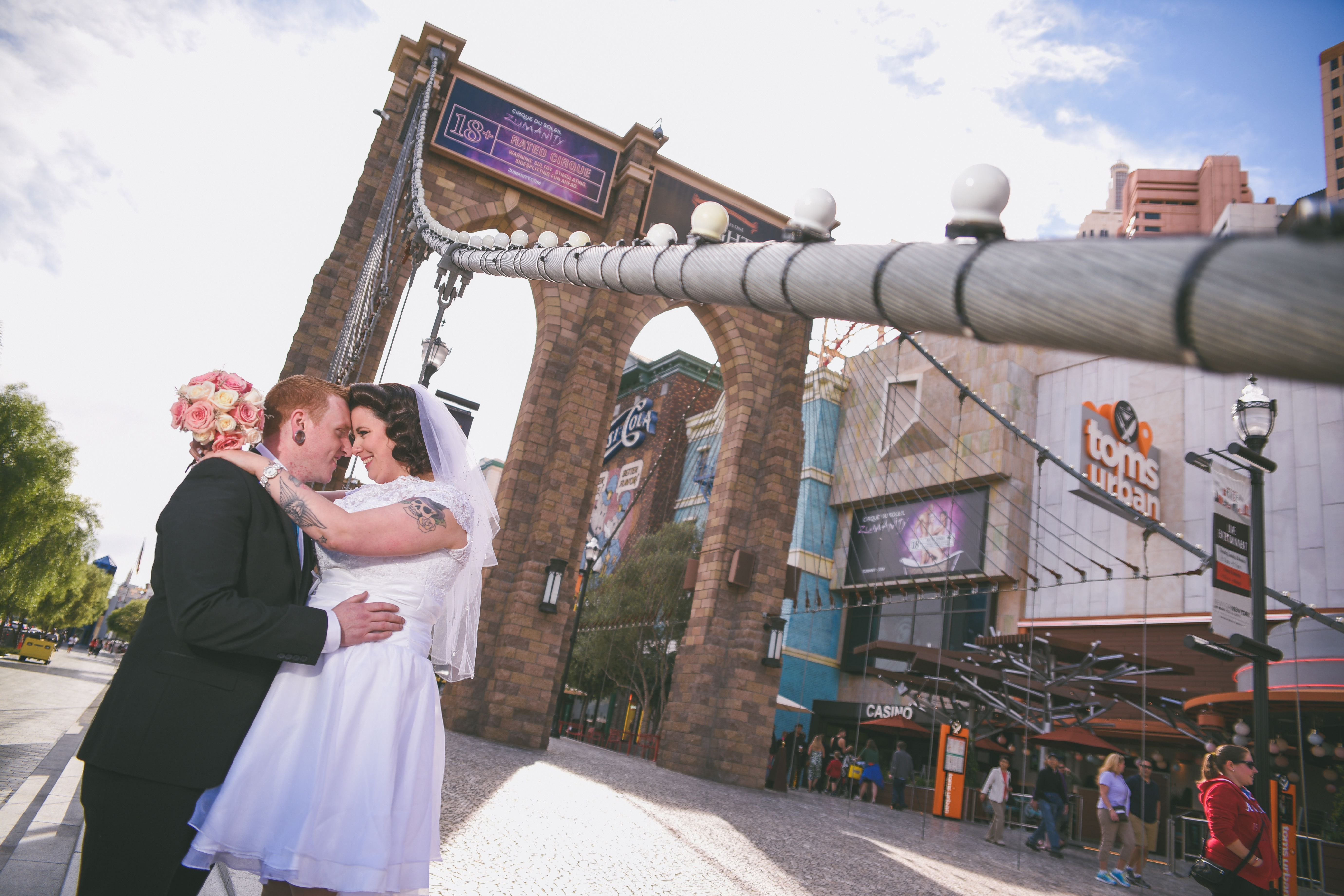 Super Cool Wedding Photo Shot At The NYNY Las Vegas Hotel And Casino By Chapel Of
