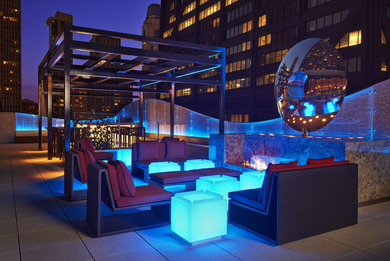 Rooftop lounge lighting roof terrace dakterras pinterest for Rooftop bar and terrace