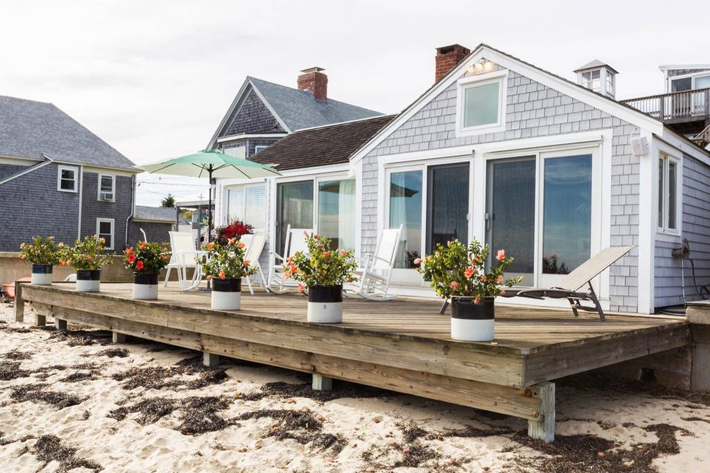 House in Provincetown, United States. Sea Urchin offers a