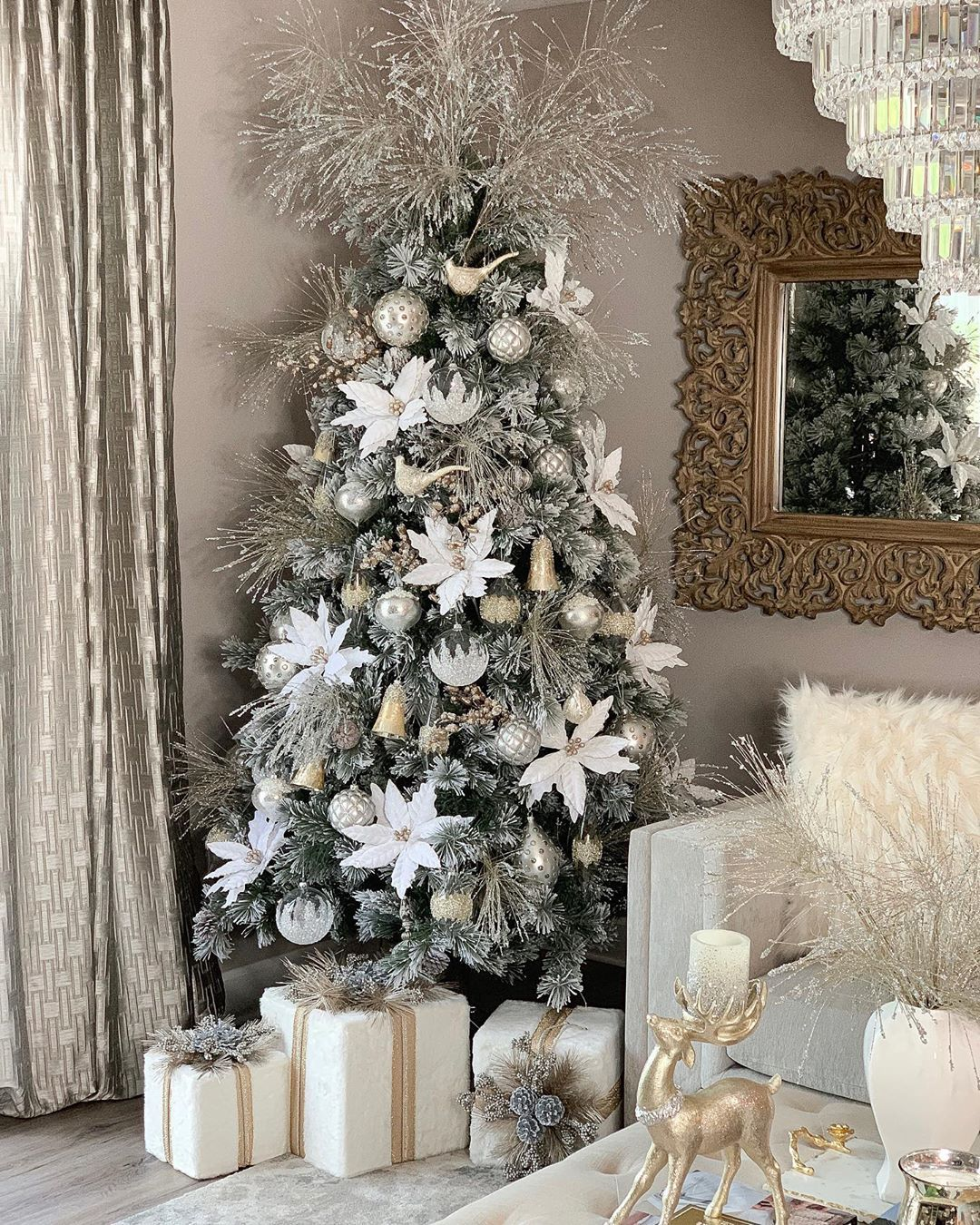 8 903 Likes 489 Comments Farah Merhi Farahjmerhi On Instagram My White Christmas Tree Decorations Beautiful Christmas Trees Christmas Tree Inspiration