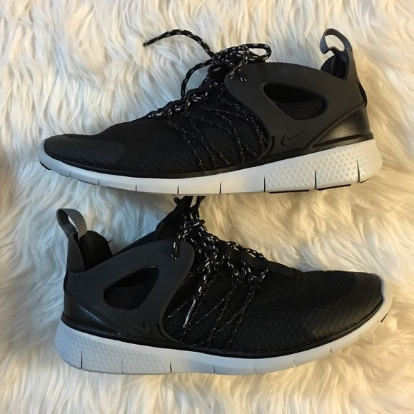Women's Nike Free Viritous Brand new with box but no lid. Nike Shoes  Athletic Shoes