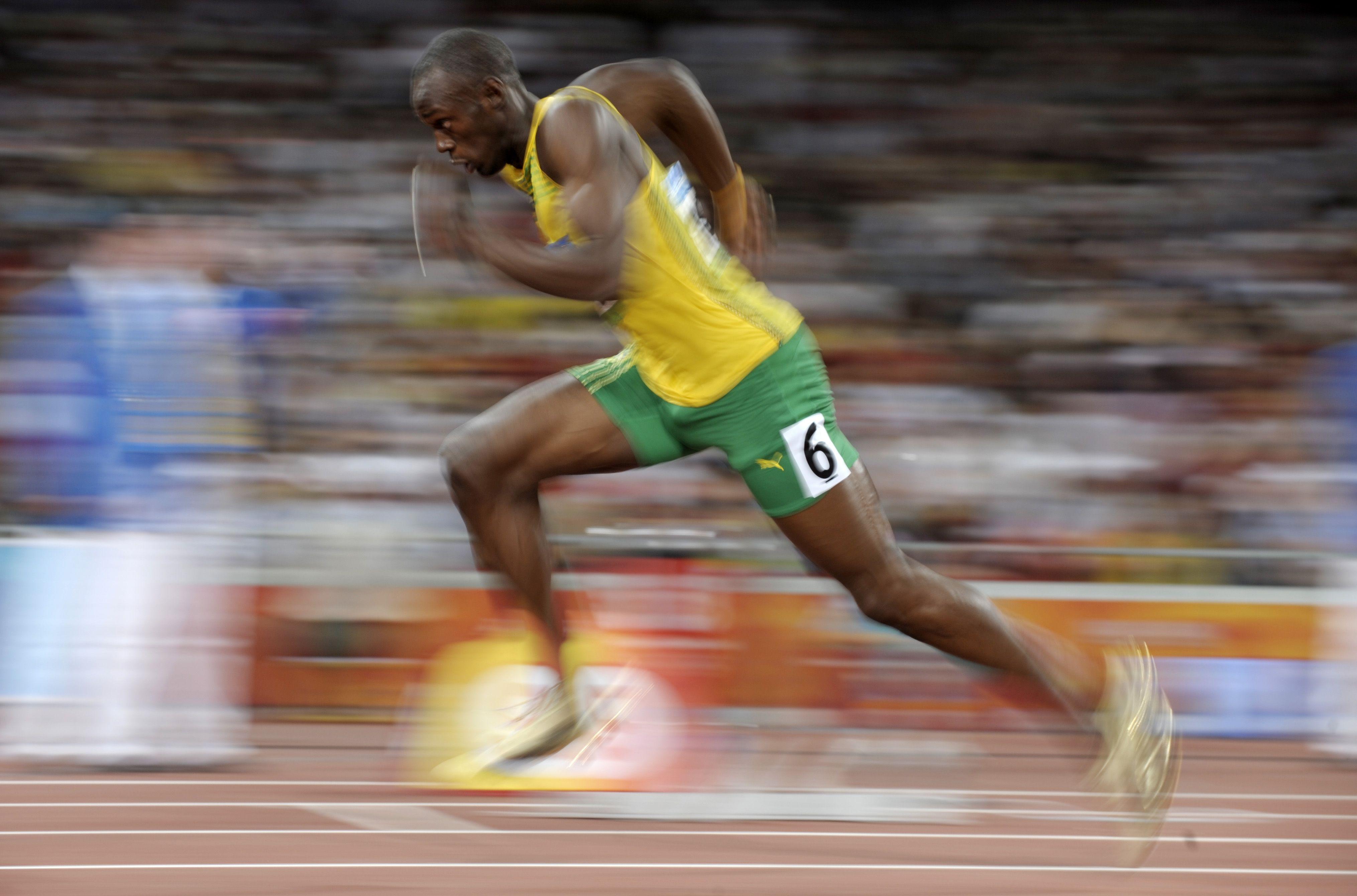 Usain Bolt Having A Walk Geek Pinterest