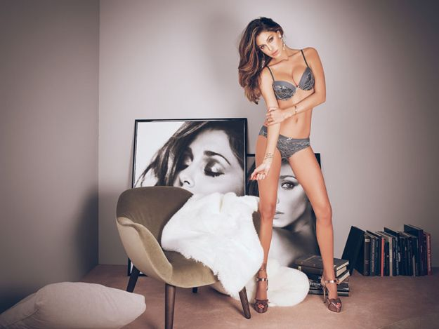 Belén Rodriguez sensuelle en lingerie pour Jadea