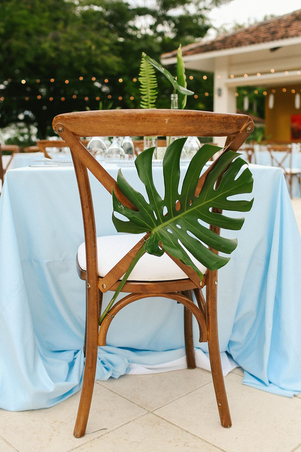 costa rica destination wedding with lots of tropical details