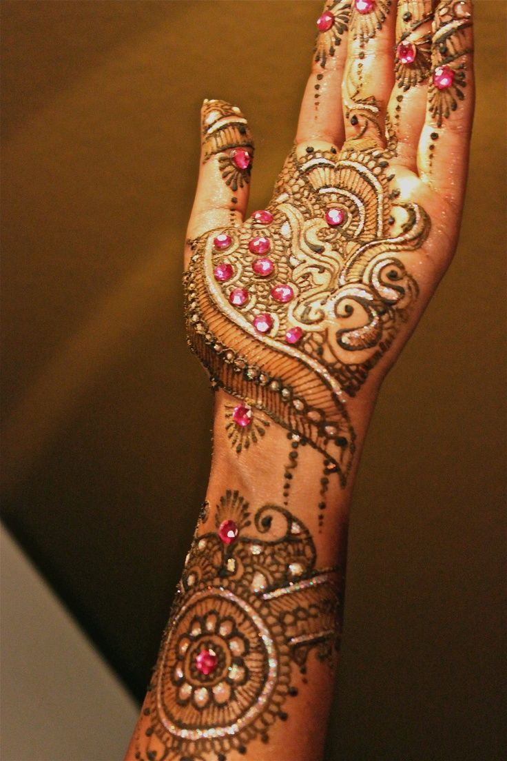 Latest Glitter Mehandi Designs 2013