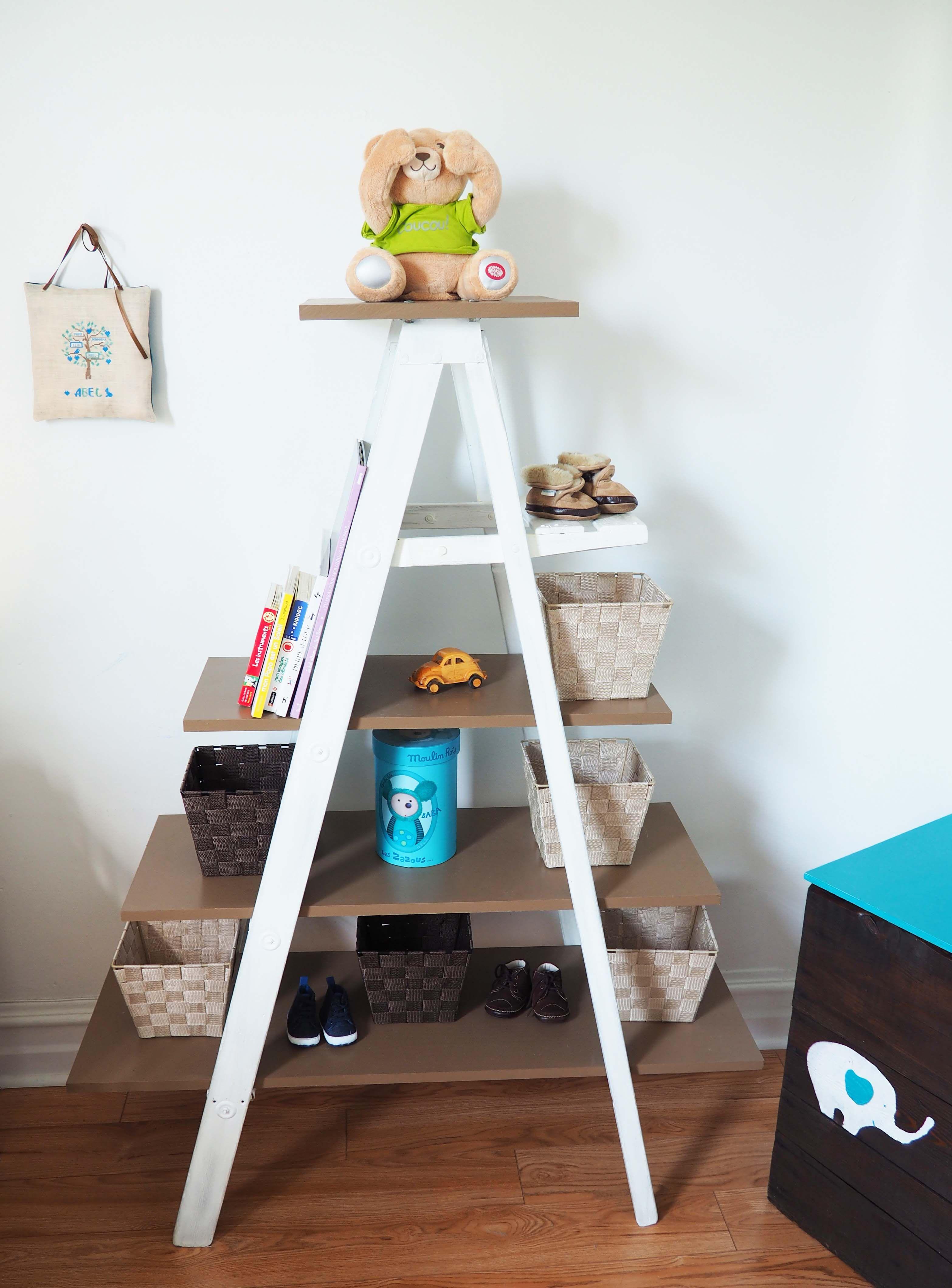 tag re de b b escabeau de ferme r cup r peint en. Black Bedroom Furniture Sets. Home Design Ideas