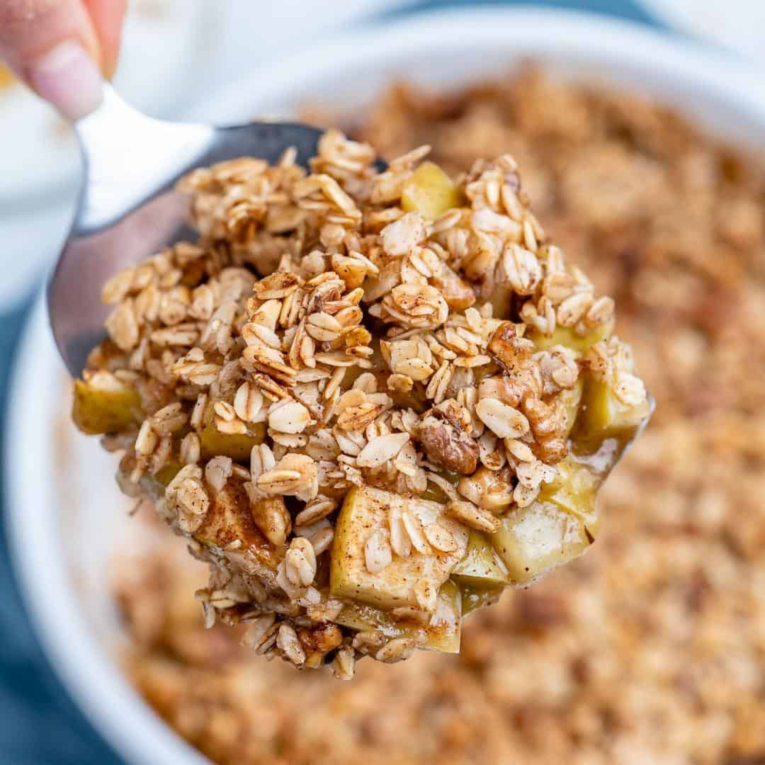 Easy Oatmeal Apple Crumble