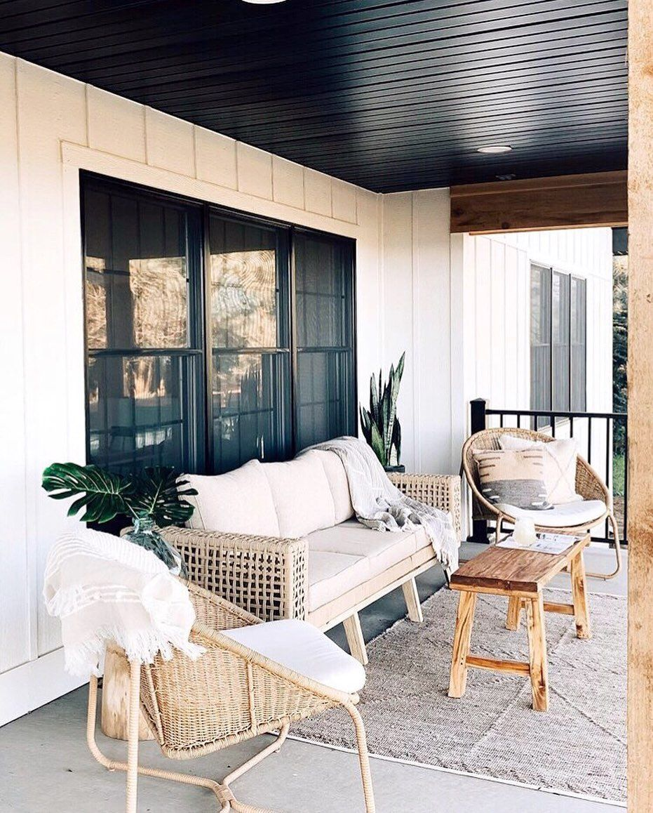 Kerri Webb On Instagram You Guys This Outdoor Space Is Making Me Wanna Start Mine Over Real Bad And It S Just A Small Taste O Home Home Decor Outdoor Space