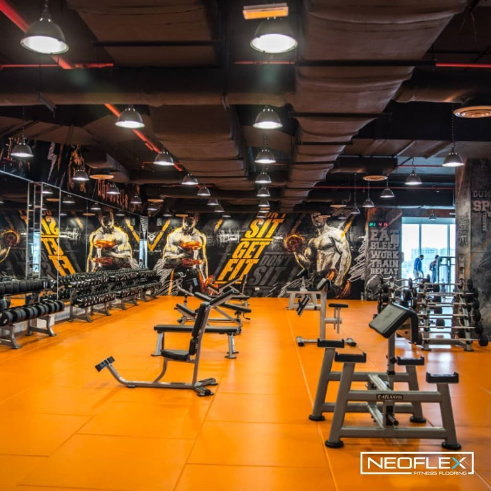 Neoflex 800 Series High Impact Tiles For The Freeweights Area Of Platinum Gym Al Khiran In Kuwait Floor Workouts Free Weights Weights Workout