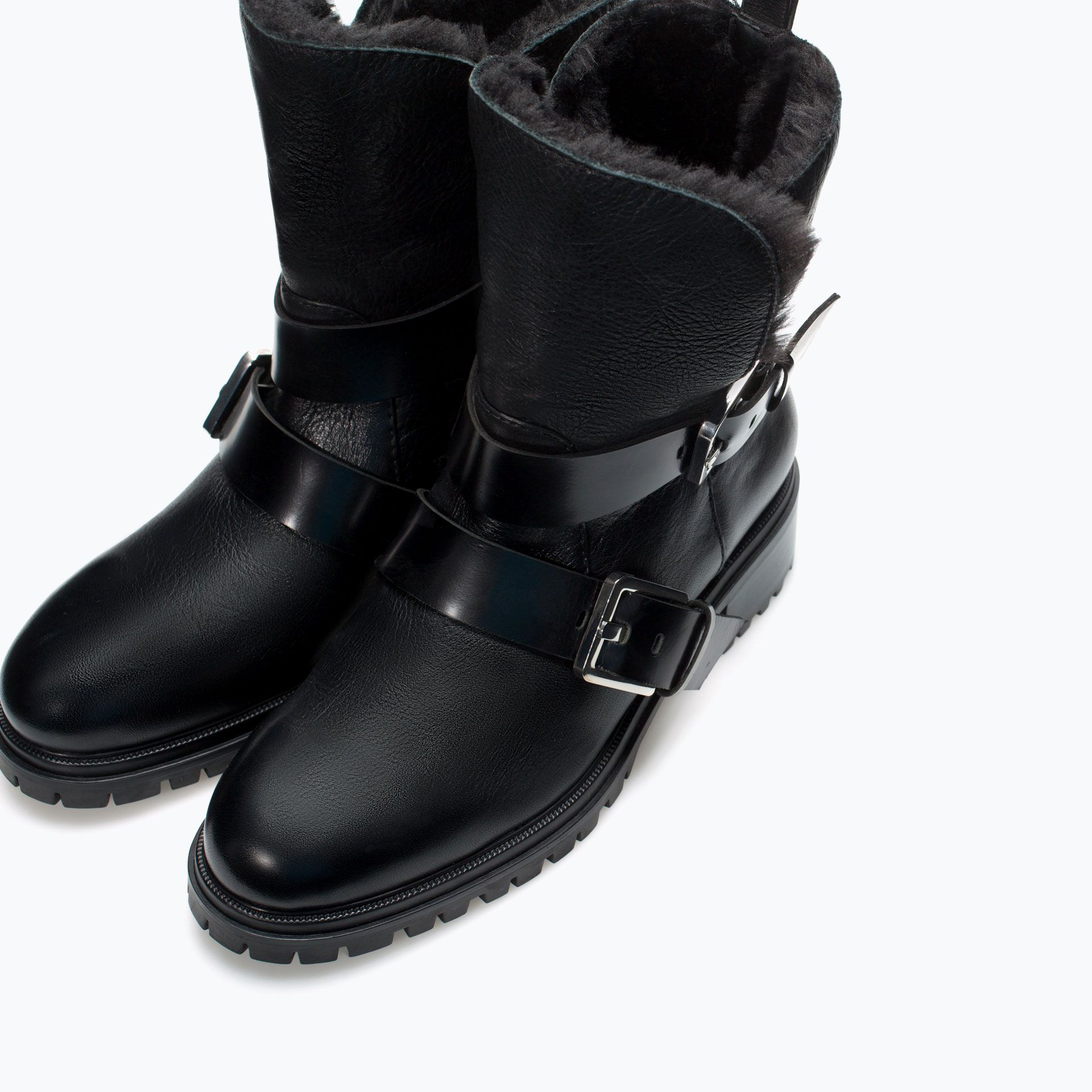 d7755cf27591 Zara   Boots Motard cuir doublure 80% POLYESTER, 20% POLYURÉTHANE Bottes  Fourrées Femme
