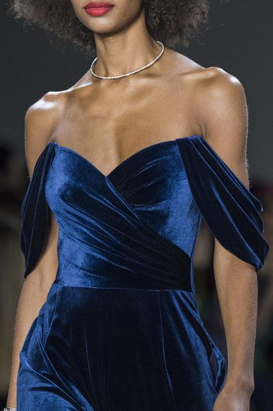 Photo of Tadashi Shoji at New York Fashion Week Fall 2019