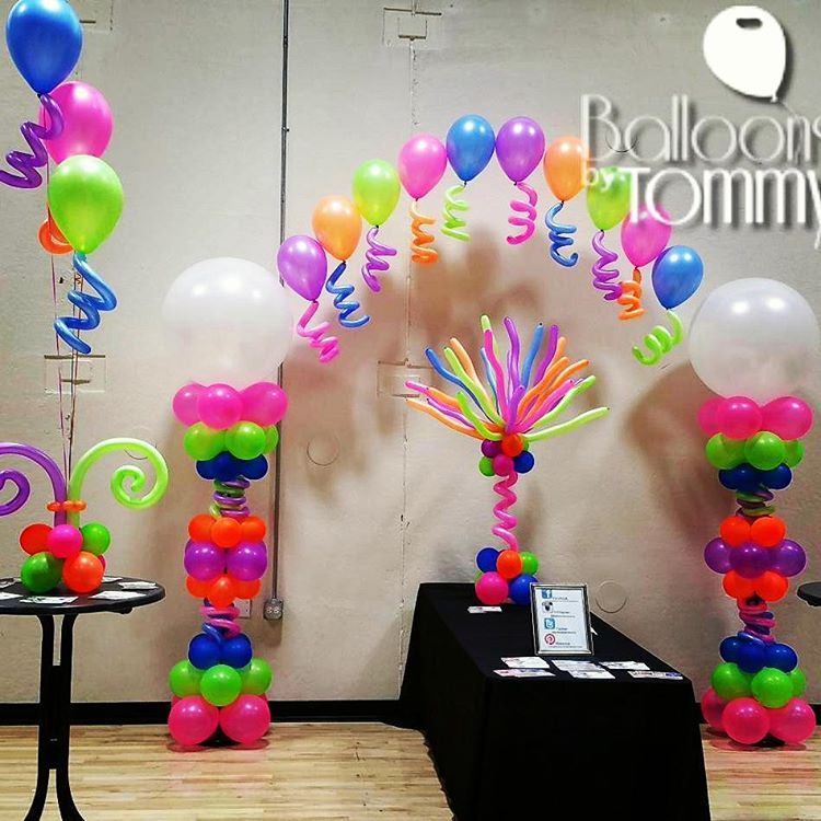 This Party Has It All Neon Balloons A Balloon Arch Balloon Centerpieces And Squi Balloon Decorations Balloon Decorations Party Birthday Balloon Decorations