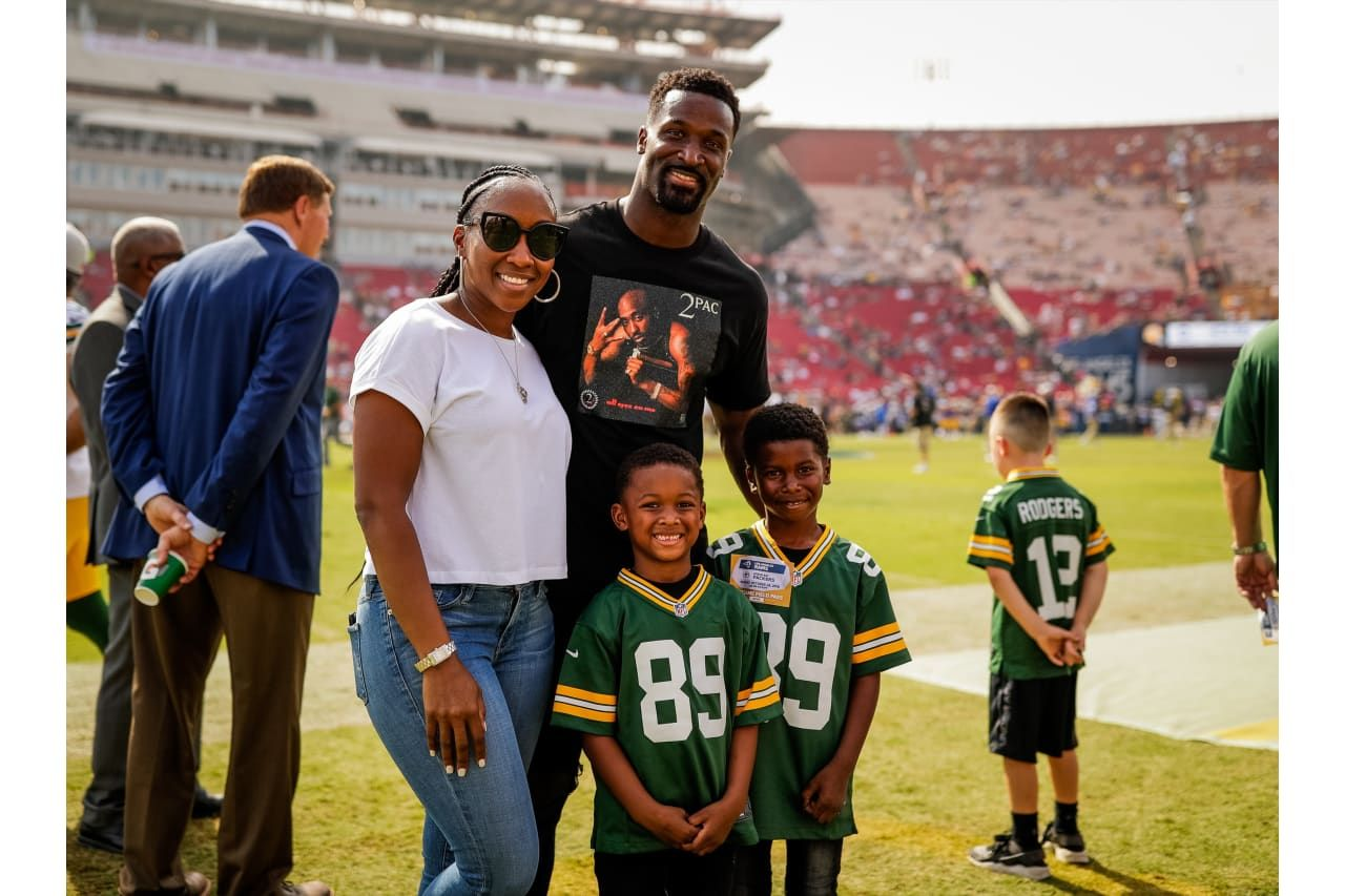 James Jones And His Family 10 28 2018 James Jones Green Bay Packers Packers Fan