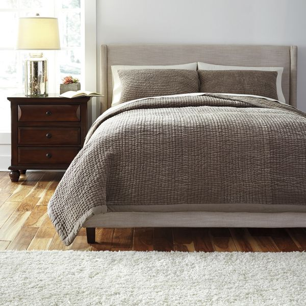 Signature Designs by Ashley Hand Quilted Grey 3-piece Quilt Set
