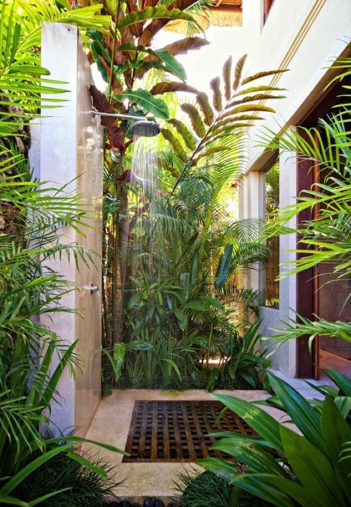 Comment aménager la salle de bain exotique - 40 idées Tropical