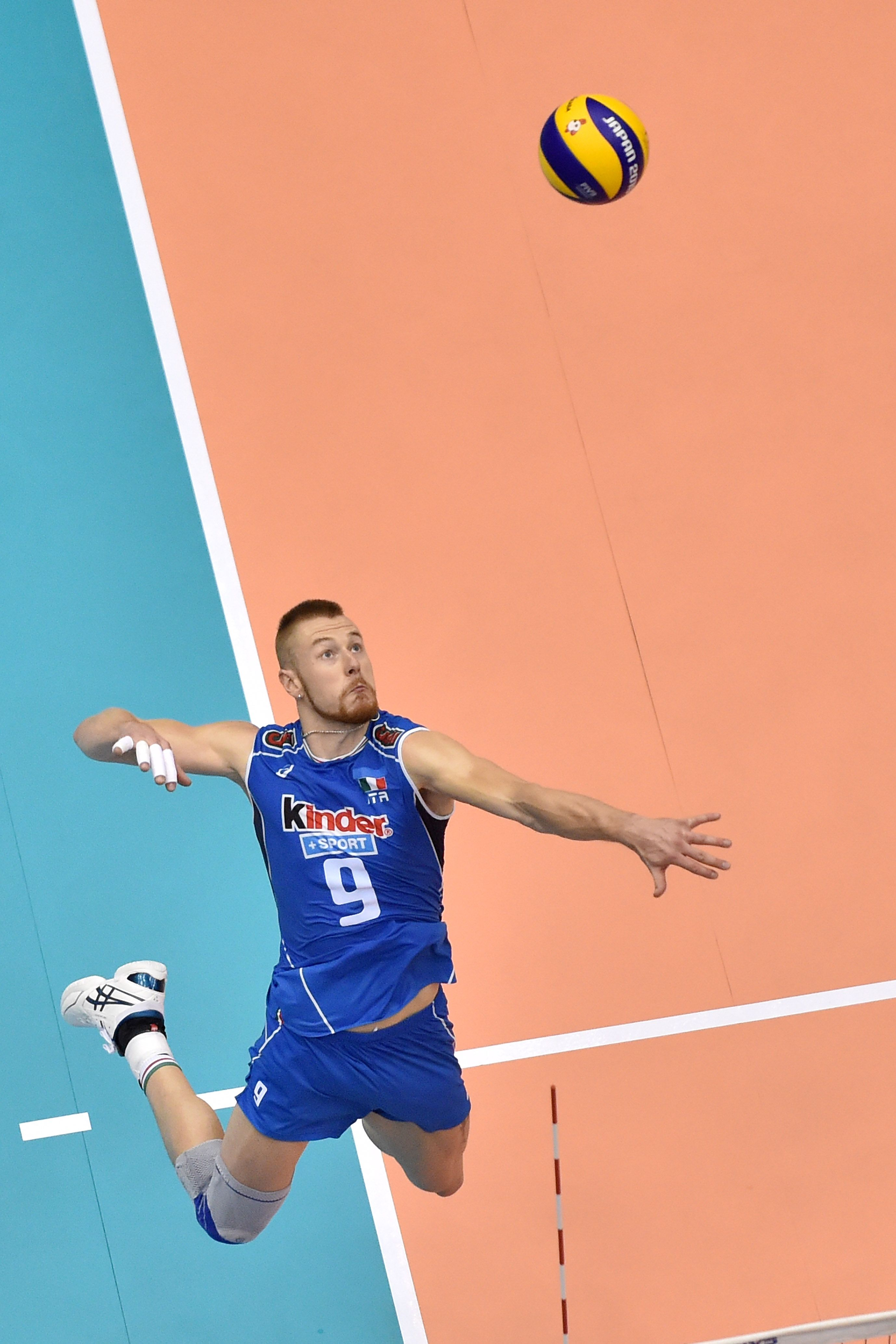Ivan Zaytsev Spikes Against Japan Volleyball Photography Volleyball Poses Female Volleyball Players