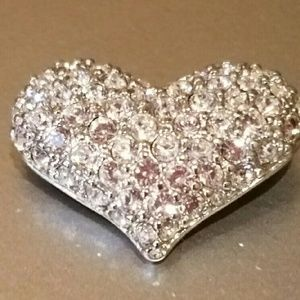 I just discovered this while shopping on Poshmark: Authentic Vintage Swarovski Crystal Heart Pin. Check it out! Price: $50 Size: See description