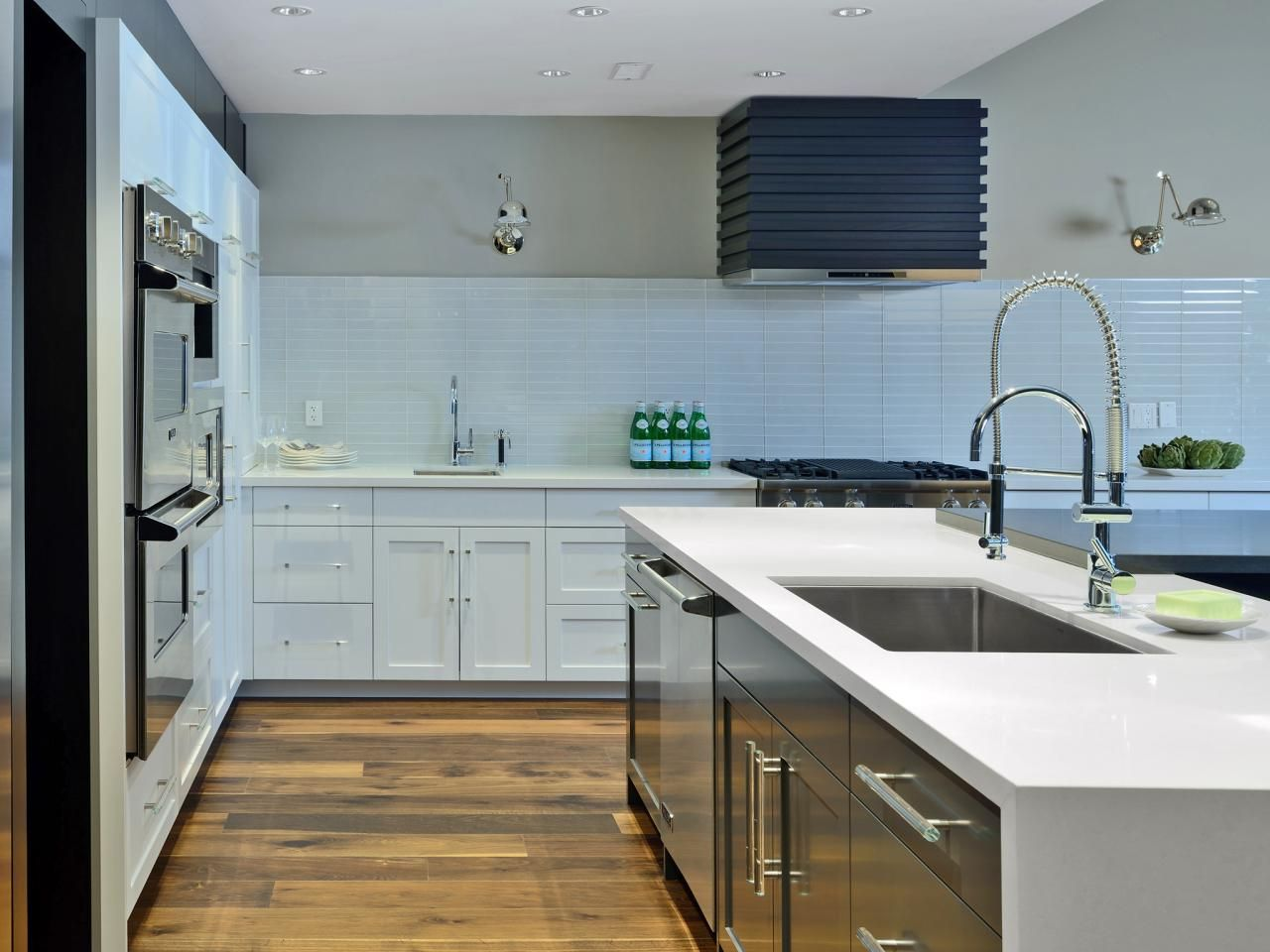 15+ Design Ideas for Kitchens Without Upper Cabinets | Kitchens ...