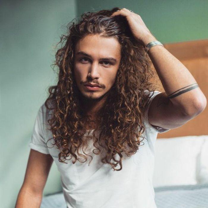 Häufig 63 astuces pour les hommes avec des cheveux frisés. | Cheveux  RP41