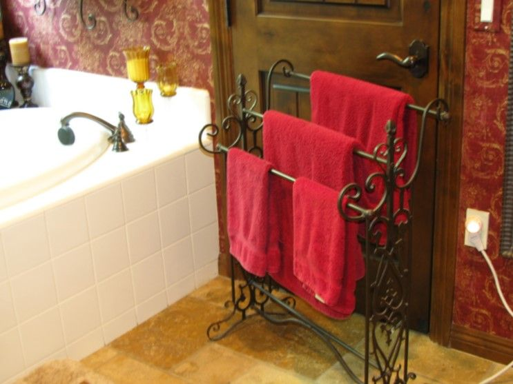 dekoratif havluluk resimleri | BANYO / BATHROOM | Pinterest on red and zebra print bathroom decorating ideas, red bathroom decor, red christmas lights,