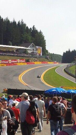 Eau Rouge tijdens de training F1