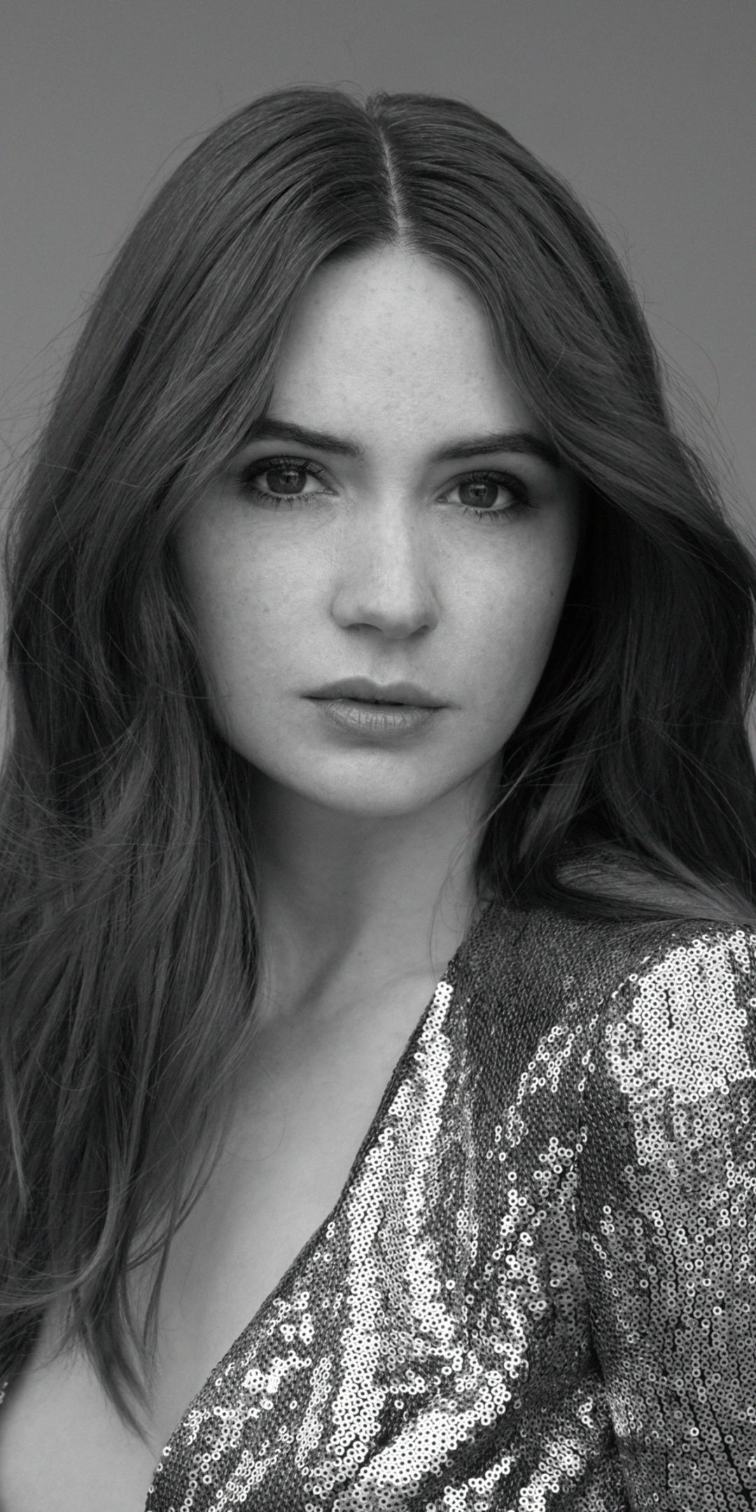 Photo of 1080×2160 Karen Gillan, bw, 2019, monochrome wallpaper