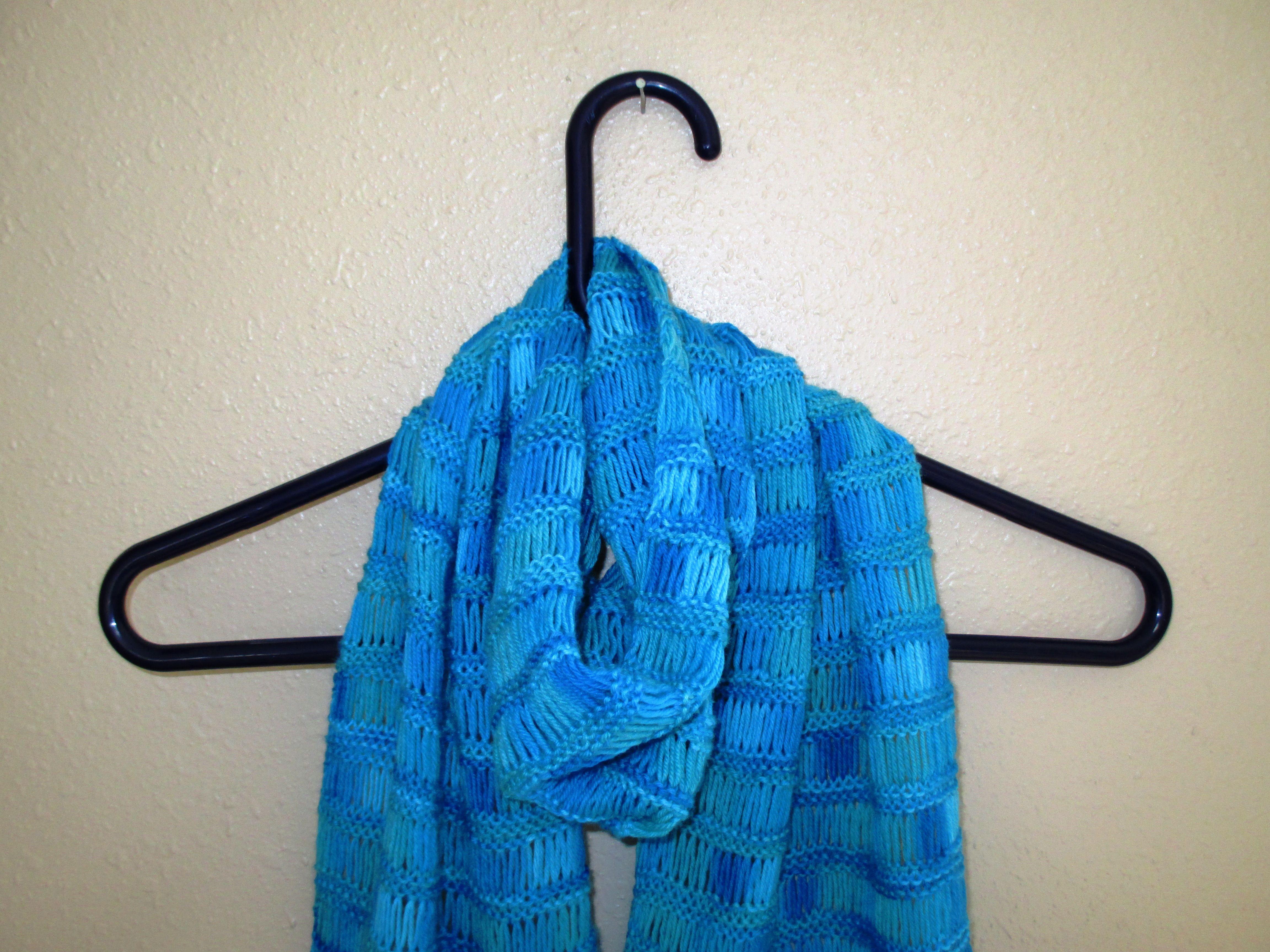 a drop stitch scarf knit with Knit Picks yarn - free pattern link