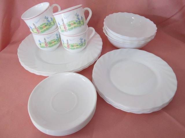 Arcopal Milk Glass Dinner Set. | Dinnerware | Gumtree Australia ...