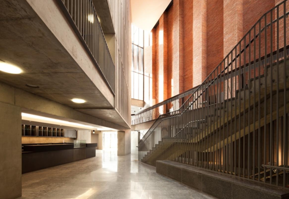 Mac Atrium Sublevel Open Space Atrium Stairs