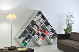 Modernes Bücheregal von Piarotto.com -  Mobilie snc