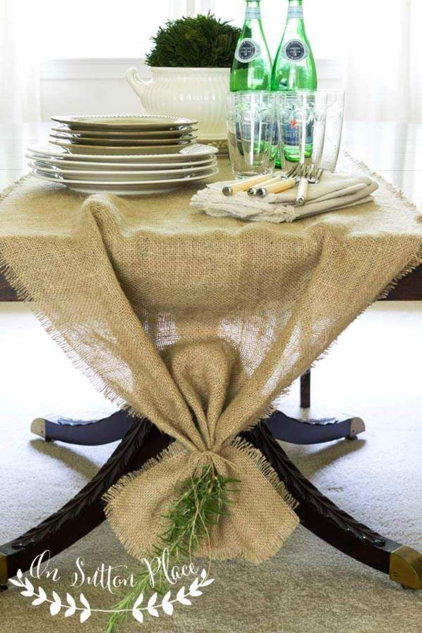 Inspiración Maneles Invierno Don Mantel decora tus estancias con Mantelerías Antimanchas.   Easy No Sew Burlap Table Runner http://www.onsuttonplace.com/2014/08/easy-no-sew-burlap-table-runner/