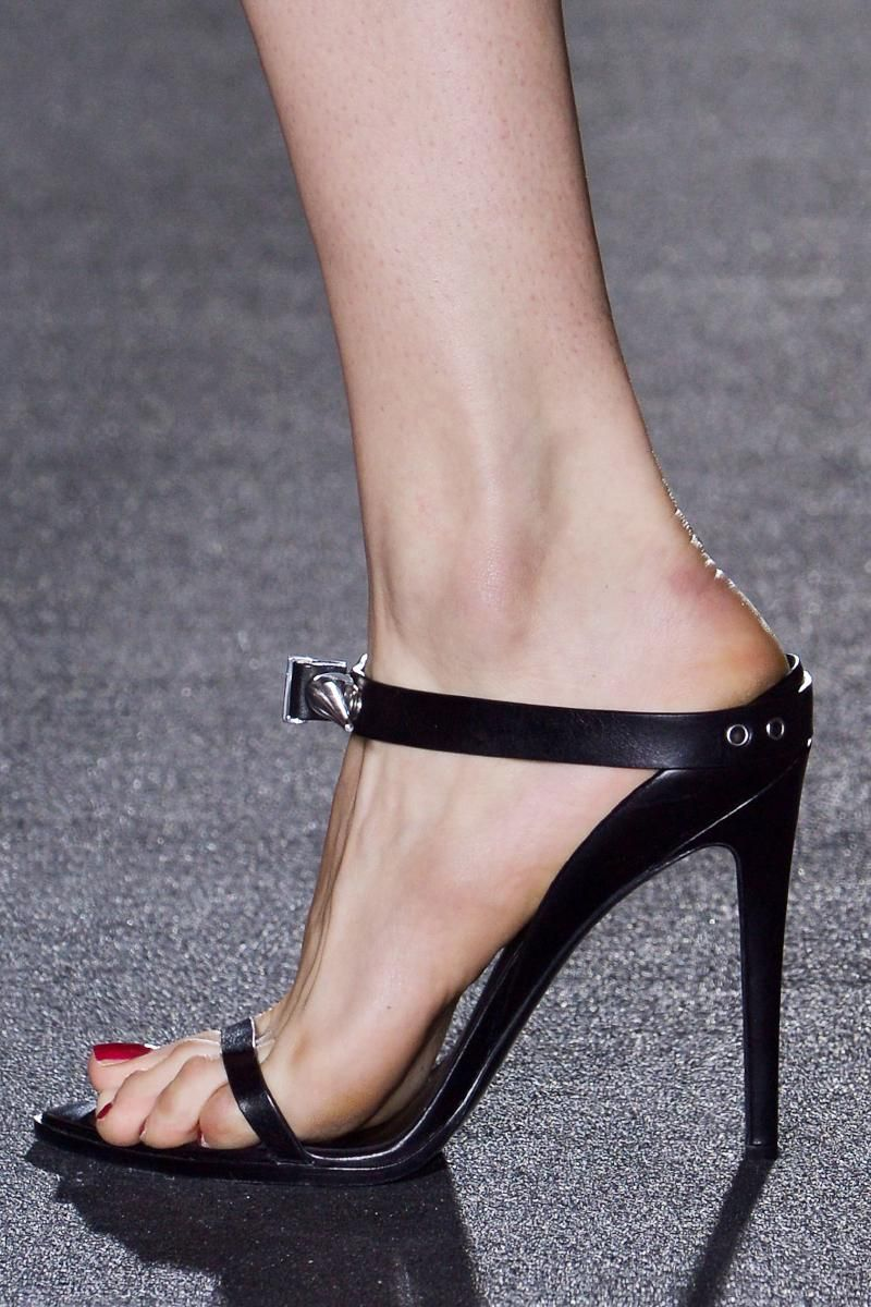 Photo 27 from Anthony Vaccarello Fall 2013 RTW