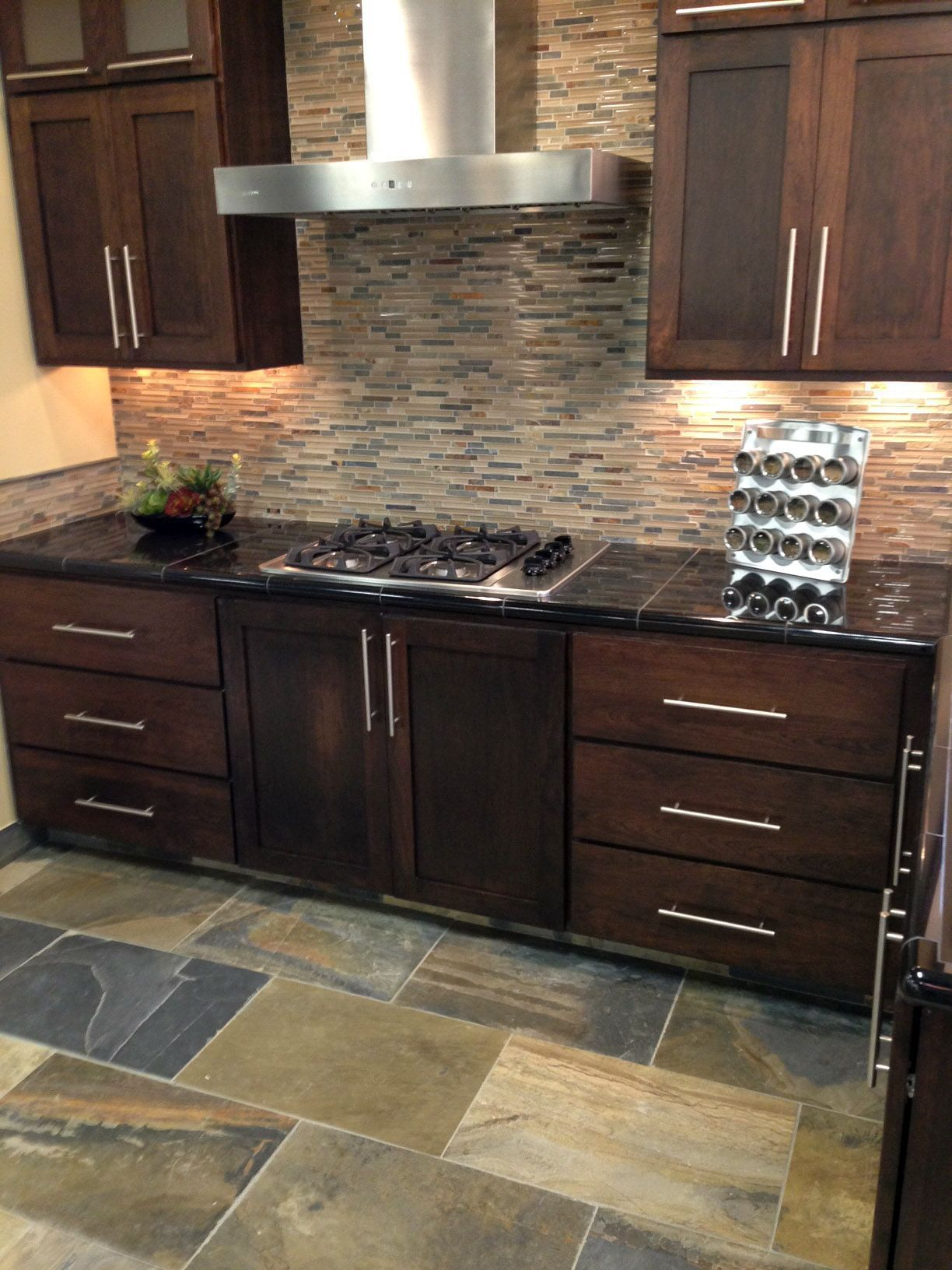 Stone Glass Mixed Mosaic Backsplash With Oversized Slate Tiles For The Floor Kitchen Design Kitchen Renovation Kitchen Flooring