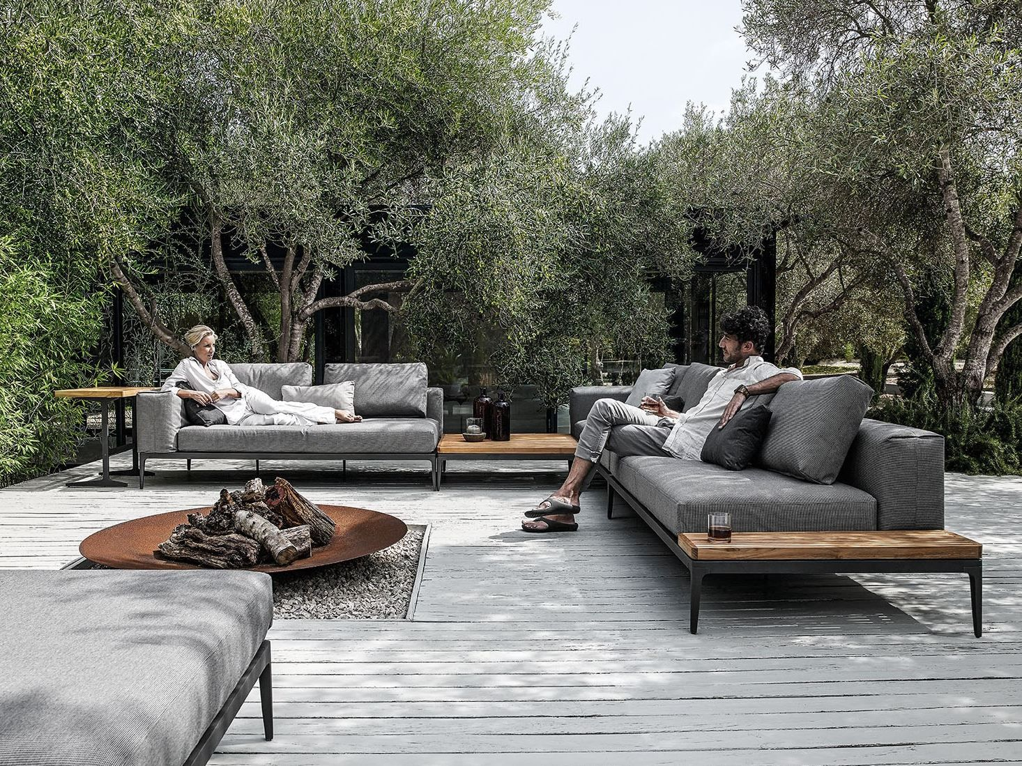 grid sofa grid outdoor lounge collection by gloster design. Black Bedroom Furniture Sets. Home Design Ideas
