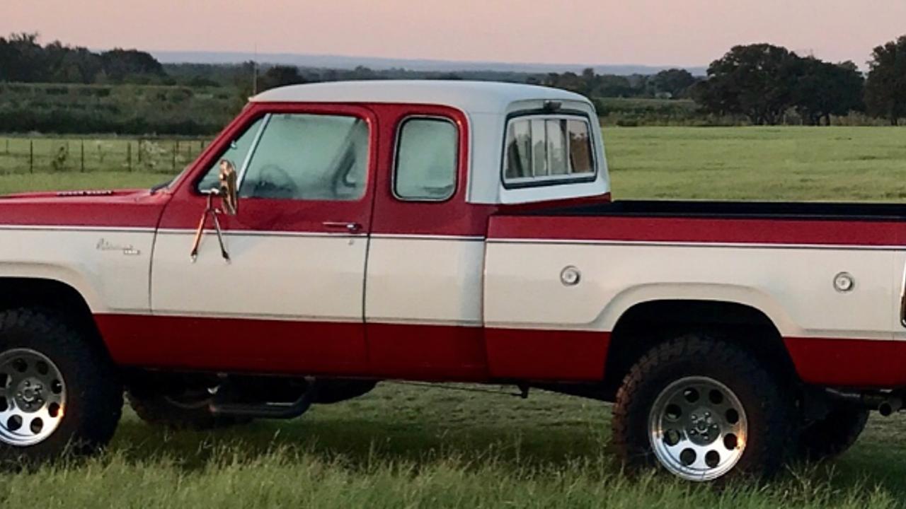 1977 Dodge D/W Truck 4x4 Club Cab W150 for sale near