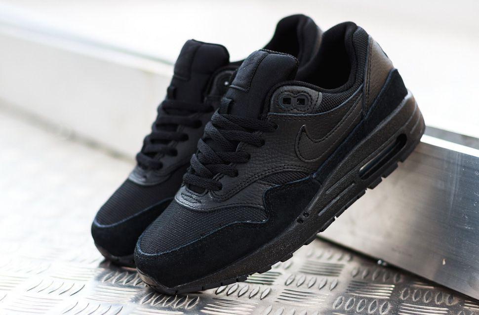 nike air max 1 womens all black