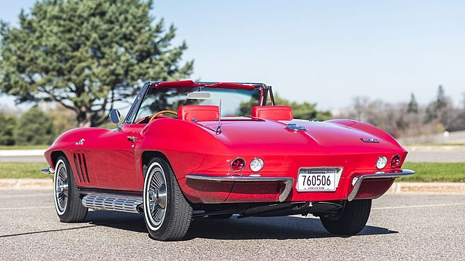 1966 Chevrolet Corvette Convertible 427 450 Hp 4 Speed Mecum Auctions Corvette Convertible Chevrolet Corvette Corvette