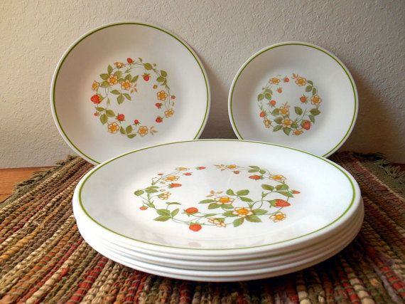 Celebrate autumn with this great vintage Corelle dish set. & Celebrate autumn with this great vintage Corelle dish set ...