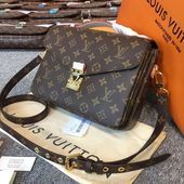 Photo of Louis Vuitton Pochette Métis: review and inspiration – no time for style L …