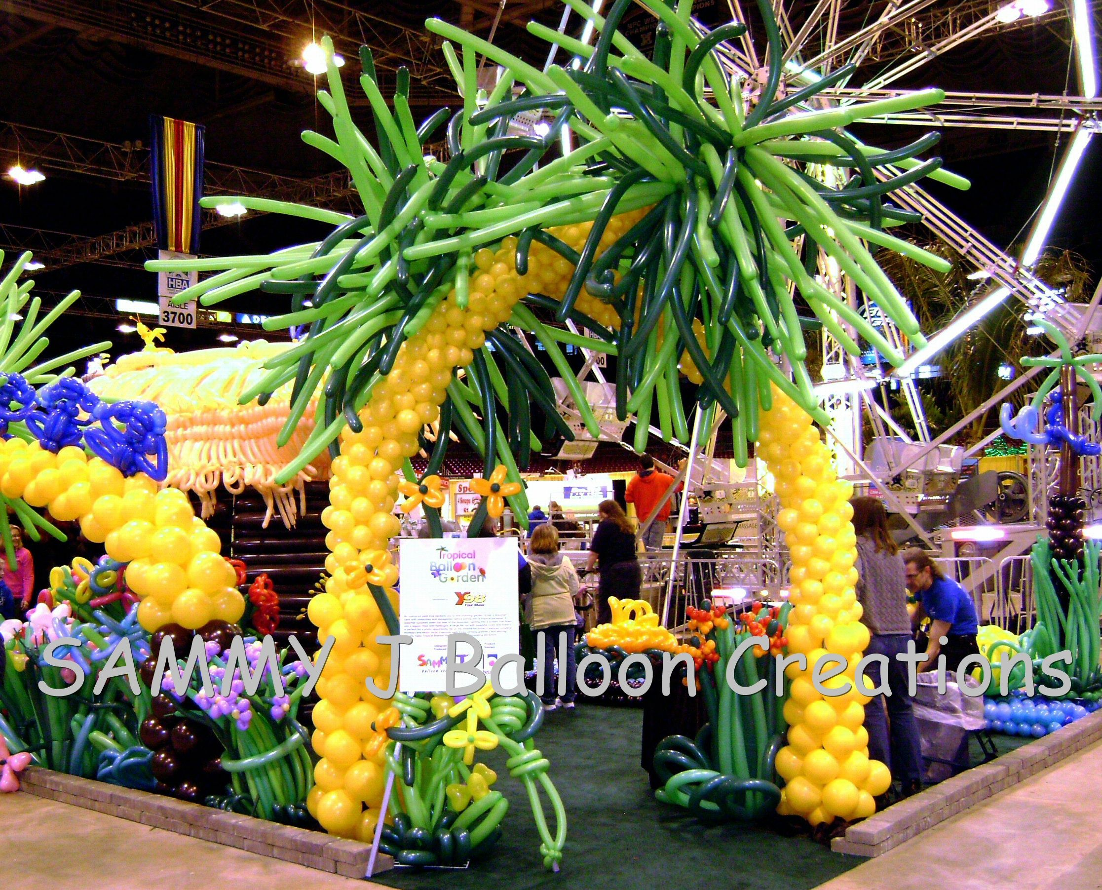 Delightful Tropical Balloon Garden Built For The St Louis Home U0026 Garden Show. Over  7500 Balloons