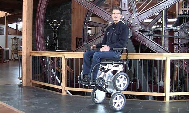 Sedia a rotelle per disabili innovativa Toyota IBot (con ...