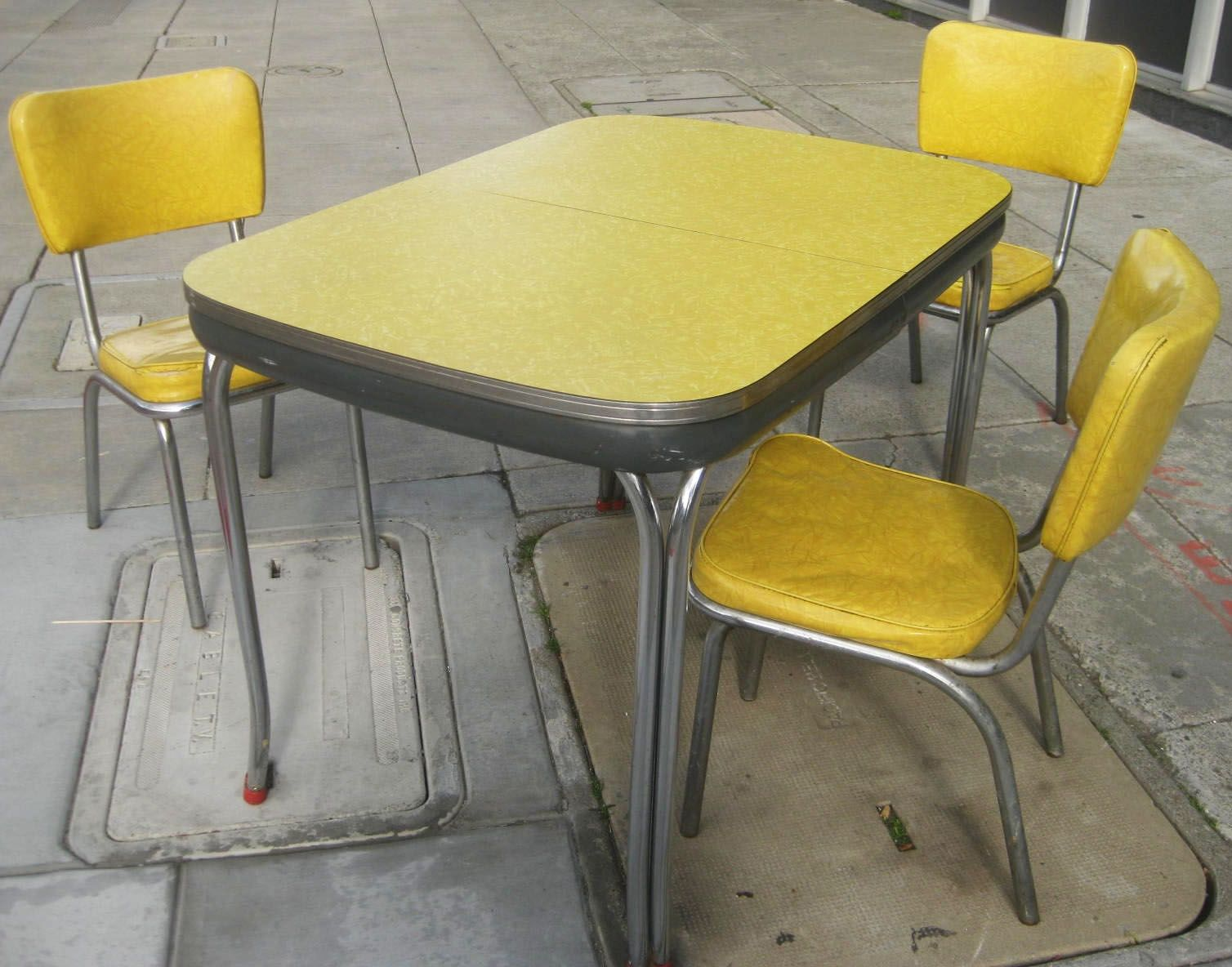 Yellow kitchen table and chairs manageditservicesatlanta