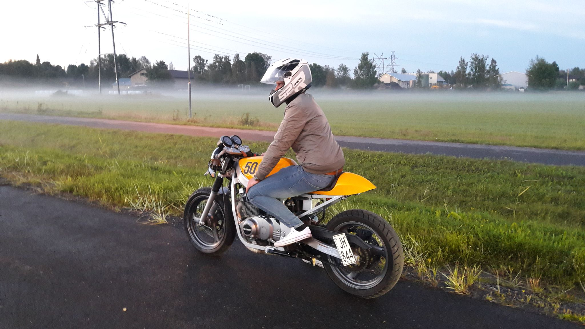 suzuki gs 500 e cafe racer suzuki gs 500 pinterest motos. Black Bedroom Furniture Sets. Home Design Ideas