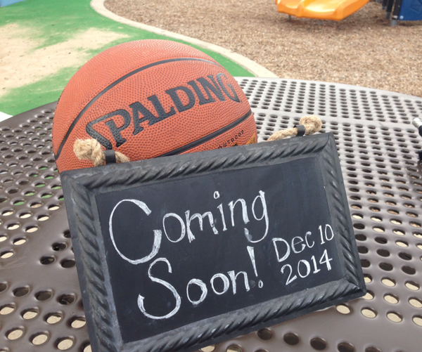 Hoop fan? Keep it simple with this sweet basketball baby reveal. #babyannouncement #babyonboard #babyreveal