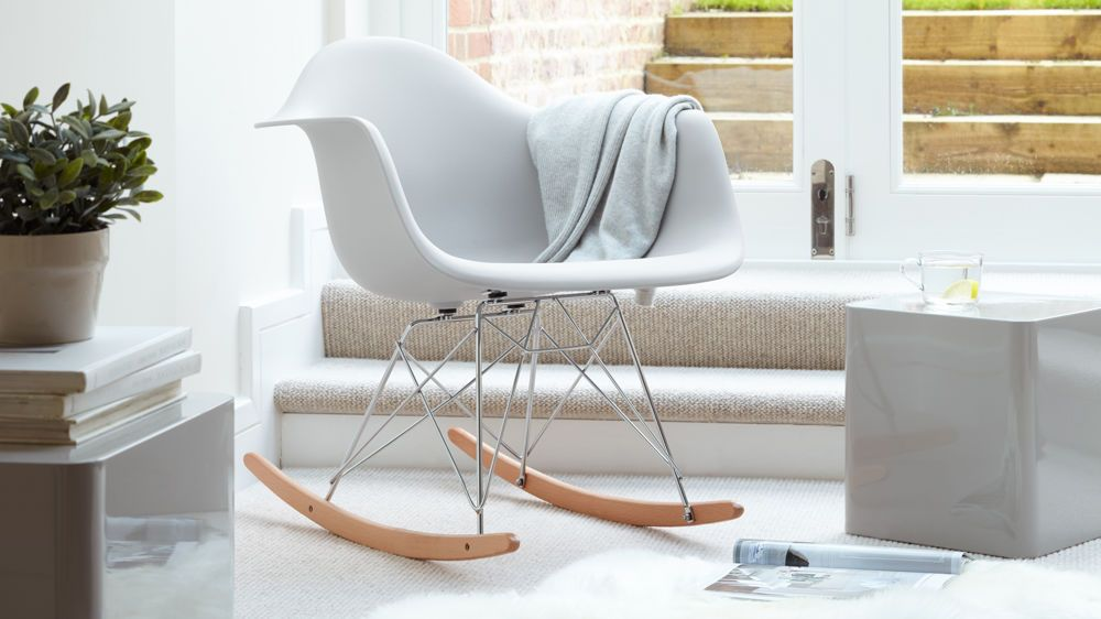 This Eames Rocking Chair Takes An Iconic Design And Pairs It With A Stylish Modern Base Gentle Seat To Create Comfortable