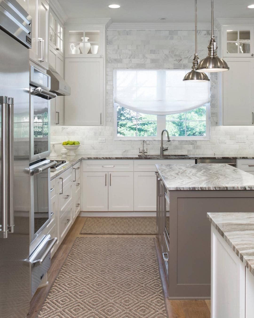 White and gray... Always a perfect combo. By Majestic Kitchen and ...