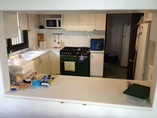 Bundeena kitchen